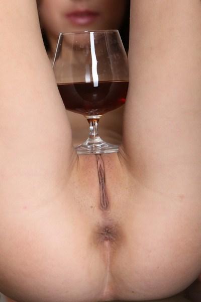 uwielbia wino