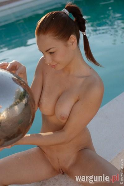 Palcówka na basenie
