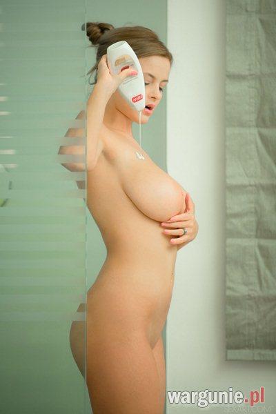 zmysłowa kąpiel cycatki